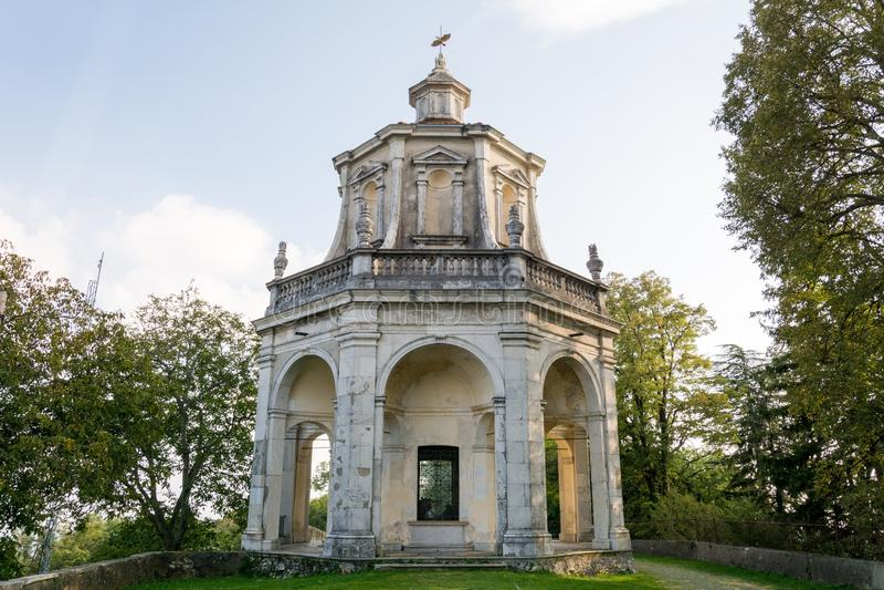 Décimotercera capilla en Sacro Monte di Varese Italia fotografía de archivo libre de regalías