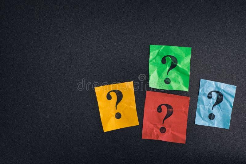 Décisions difficiles Trop de questions photo stock