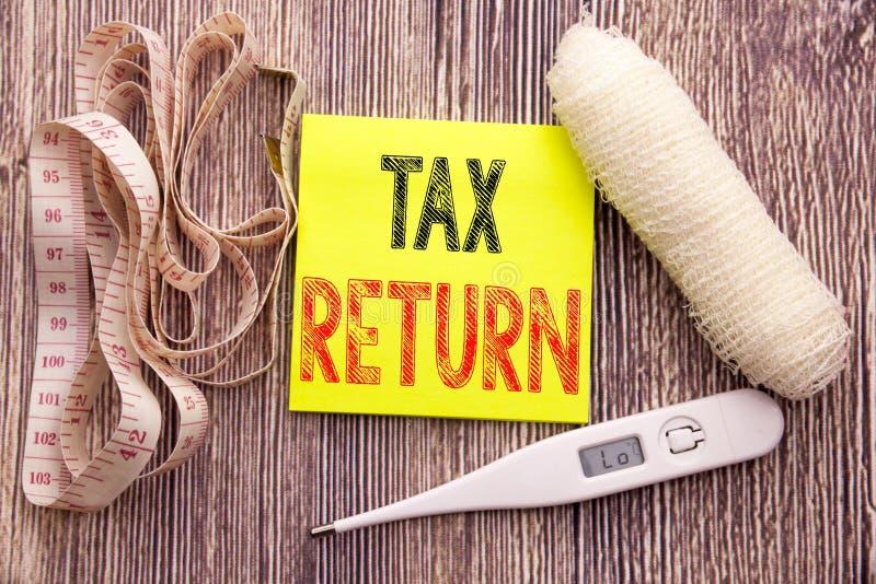 Déclaration d'impôt Concept de santé de forme physique d'affaires pour le fond de papier vide de comptabilité de note collante éc photo stock