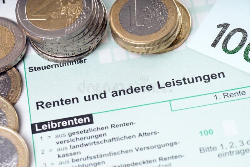 Déclaration d'impôt de pension photos stock