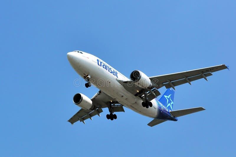 Décollage de vol d'Air Transat image libre de droits