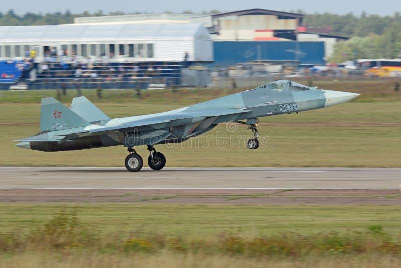 Décollage Sukhoi PAK fa T-50 images stock