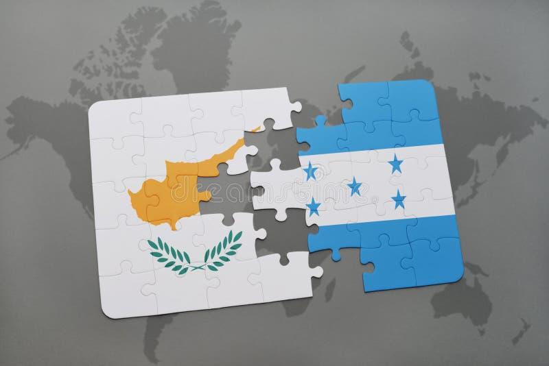 déconcertez avec le drapeau national de la Chypre et du Honduras sur une carte du monde illustration stock