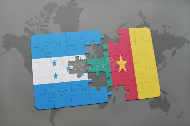 déconcertez avec le drapeau national du Honduras et du Cameroun sur une carte du monde illustration libre de droits