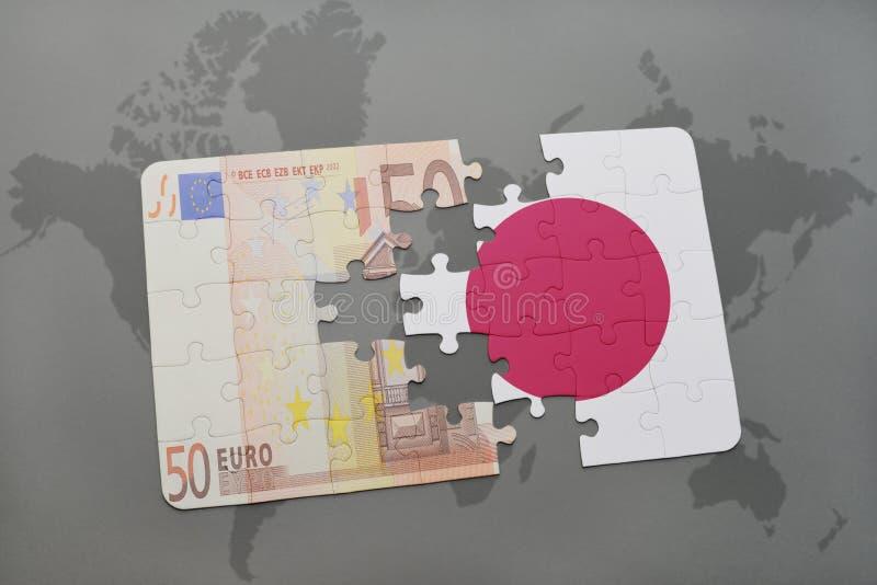 déconcertez avec le drapeau national du Japon et de l'euro billet de banque sur un fond de carte du monde illustration libre de droits