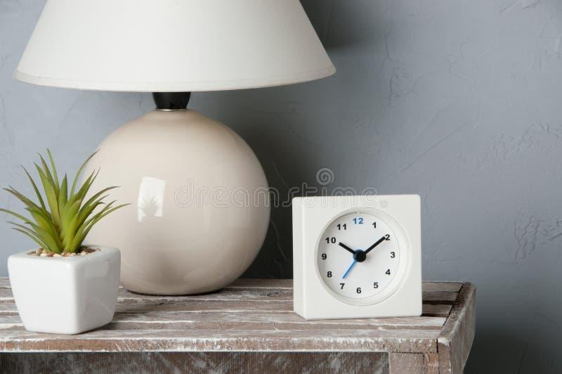Décor de chambre à coucher sur le gris photo libre de droits