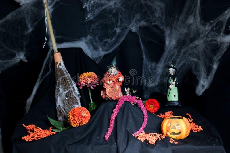 Décor de Halloween dans l'orange et le noir photo stock