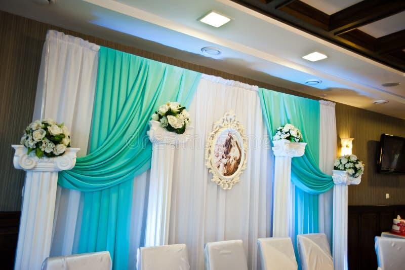 Décor de mariage sur la table images stock