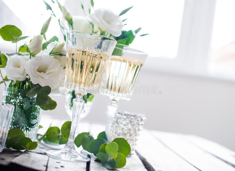 Décor de table de mariage d'été images libres de droits