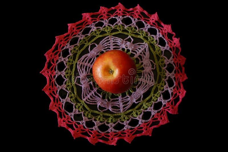 Décoratif tricoté par tissu d'Apple crochet, métiers, pays photographie stock