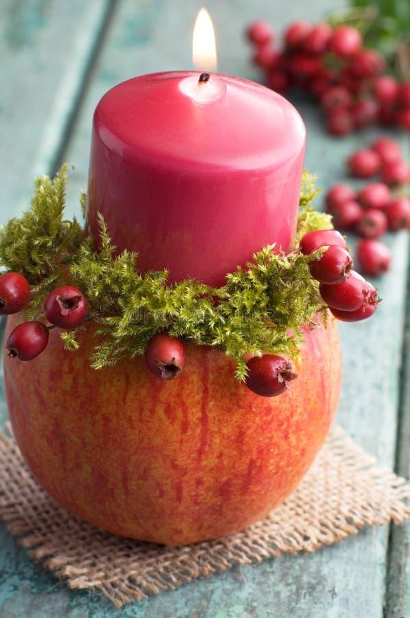 Download Décoration Automnale Avec Le Bougeoir Fruité Photo stock - Image du fond, pommes: 77154448