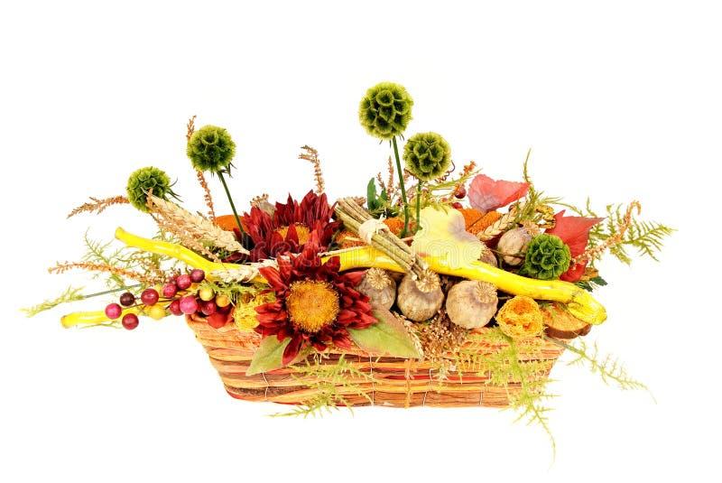 Download Décoration D'automne Dans Le Panier Photo stock - Image du centrale, lame: 45359270