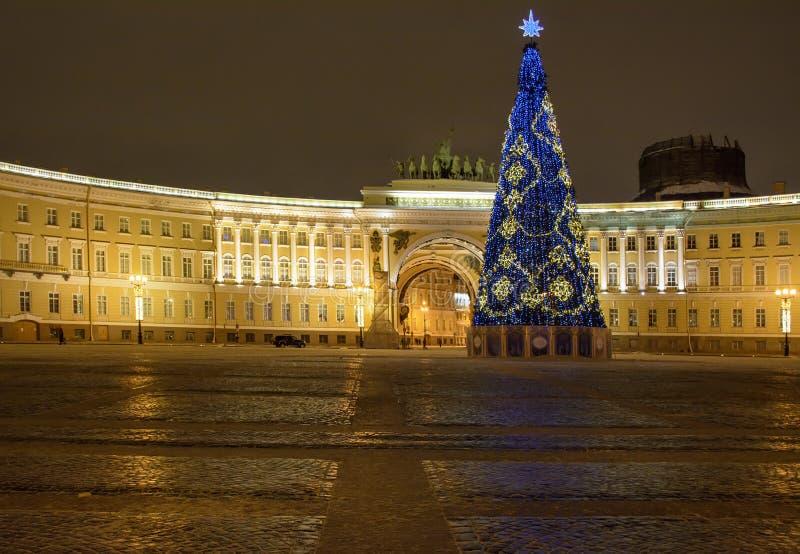 Décoration de fête du centre de St Petersburg pour le nouveau y photo stock