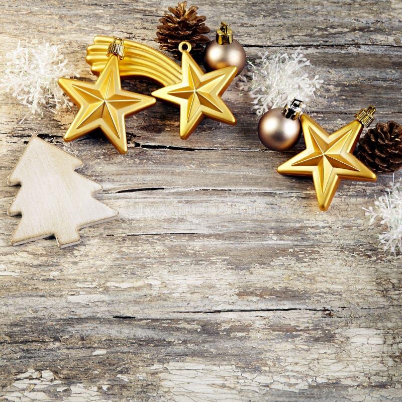 Décoration de Noël au-dessus de fond en bois. Style de vintage. images stock