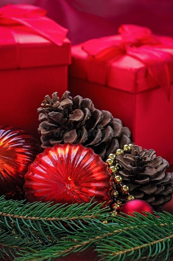 Décoration de Noël avec des présents photo stock