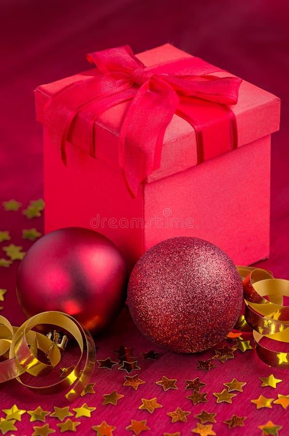 Décoration de Noël avec des présents image libre de droits