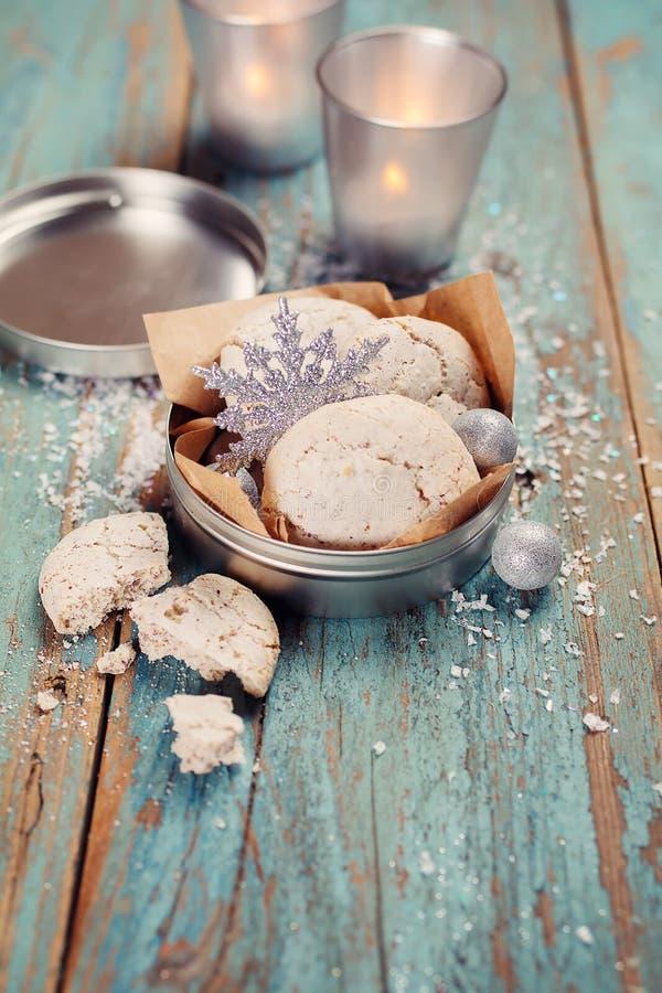 Décoration de Noël, biscuits, bougies. photos stock