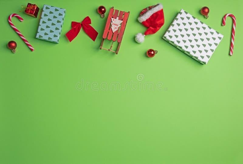 Décoration de Noël sur le vert image libre de droits
