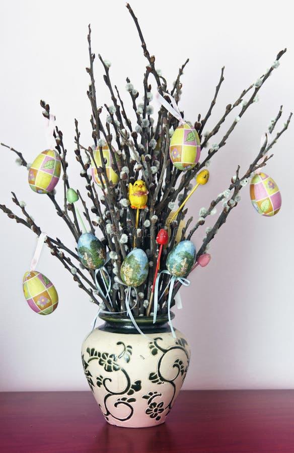 Décoration de Pâques d'arbre de saule photographie stock libre de droits