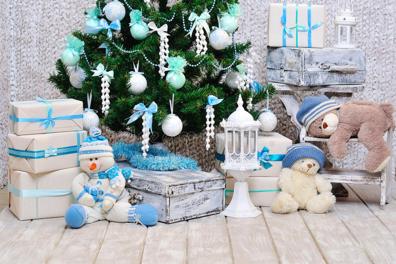 Décoration de pièce de Noël dans des couleurs de bleu et de menthe photographie stock libre de droits