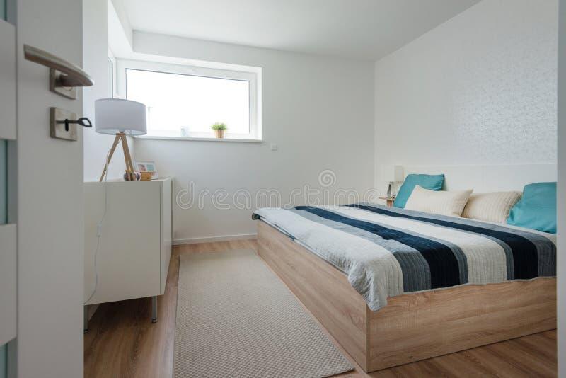 Décoration Des Chambres Contemporaines Photo stock - Image ...