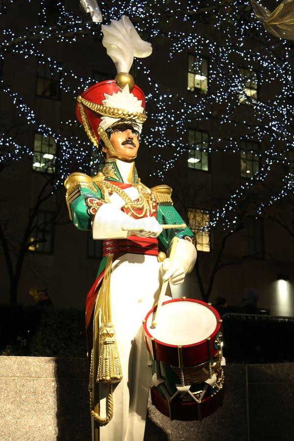 Décoration en bois de Christmas de batteur de soldat au centre de Rockefeller dans Midtown Manhattan image libre de droits