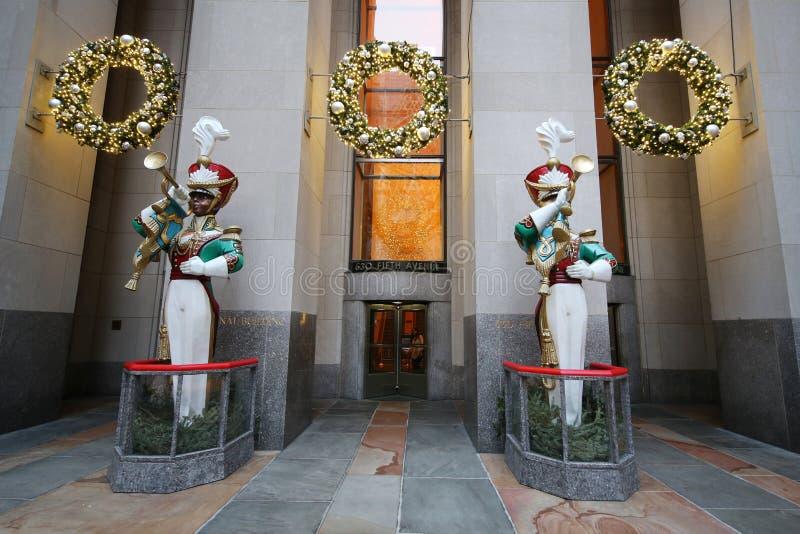 Décoration en bois de Noël de clairon de soldat de jouet au centre de Rockefeller image stock