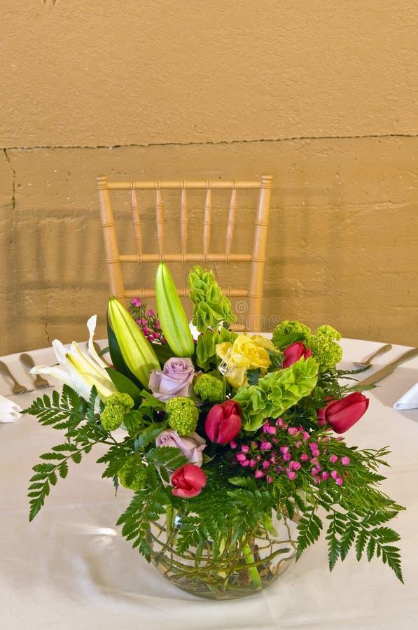 Décoration florale de table photos libres de droits