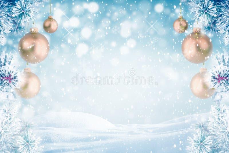 Décoration givrée de Noël de pin photographie stock libre de droits