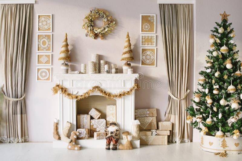 Décoration intérieure de beau Noël photographie stock libre de droits