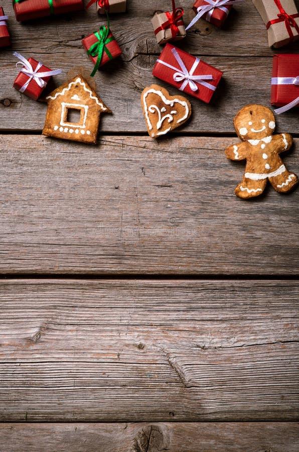 Décoration pendant Noël et la nouvelle année sur un fond en bois photo stock