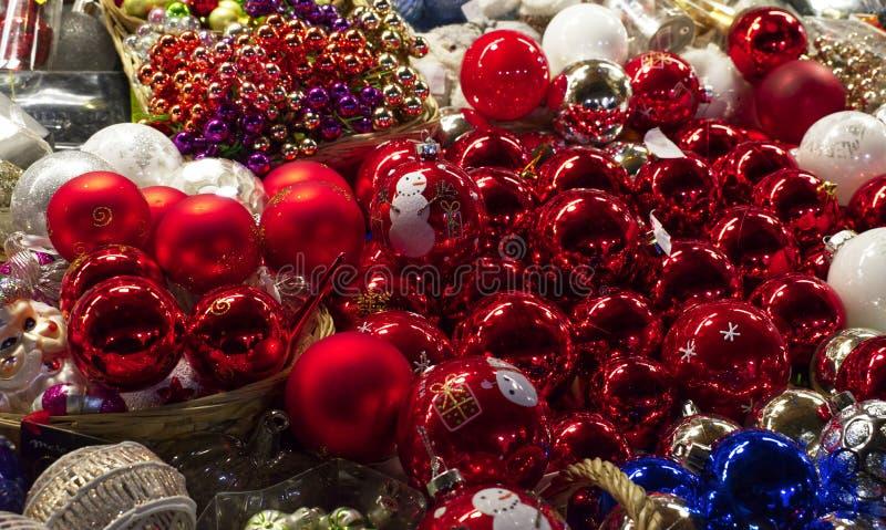 Décoration traditionnelle pour Noël au marché de Noël de Santa Lucia, Bologne, Italie images libres de droits