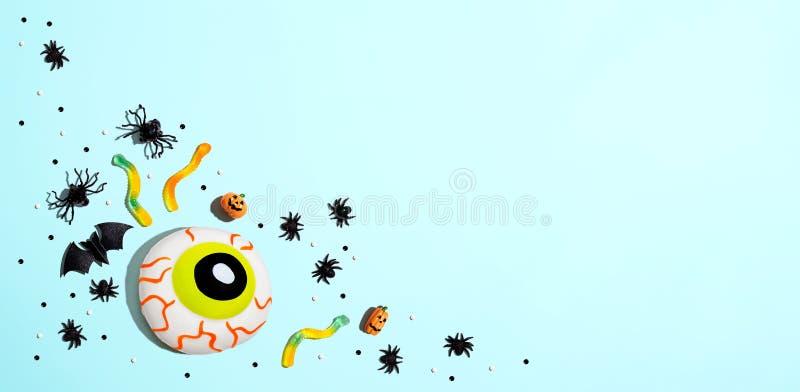 Décorations d'Halloween avec eyeball photographie stock libre de droits