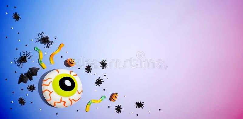 Décorations d'Halloween avec eyeball photo libre de droits