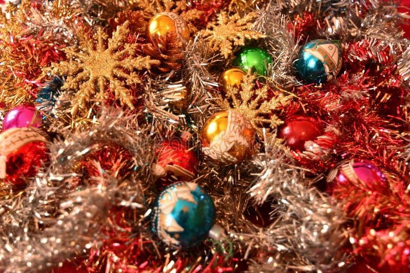 Décorations de Noël avec les étoiles d'or attendant la comète photos stock