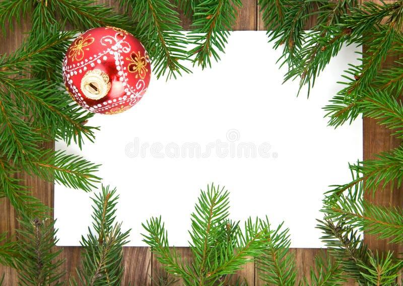Décorations de Noël et branches de sapin image libre de droits