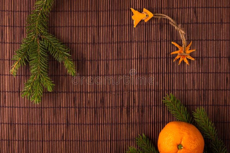 Décorations de Noël fabriquées à la main de la peau de mandarine illustration de vecteur