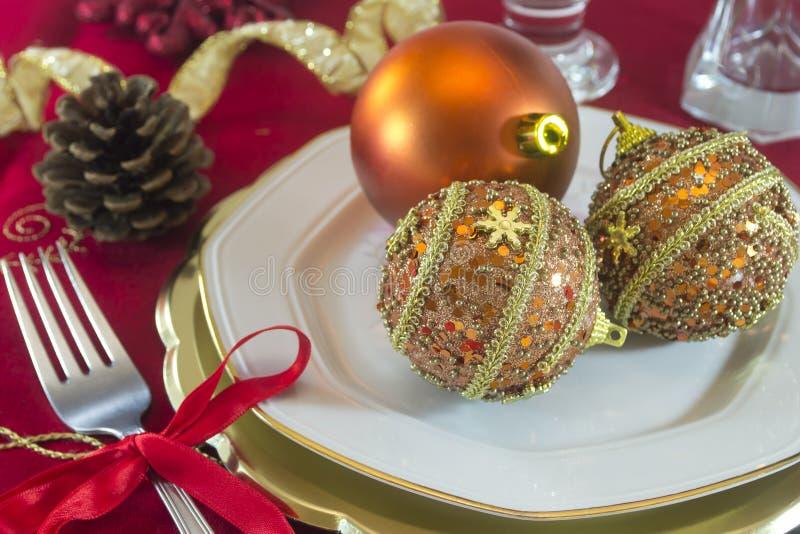 Décorations de table de Noël images stock