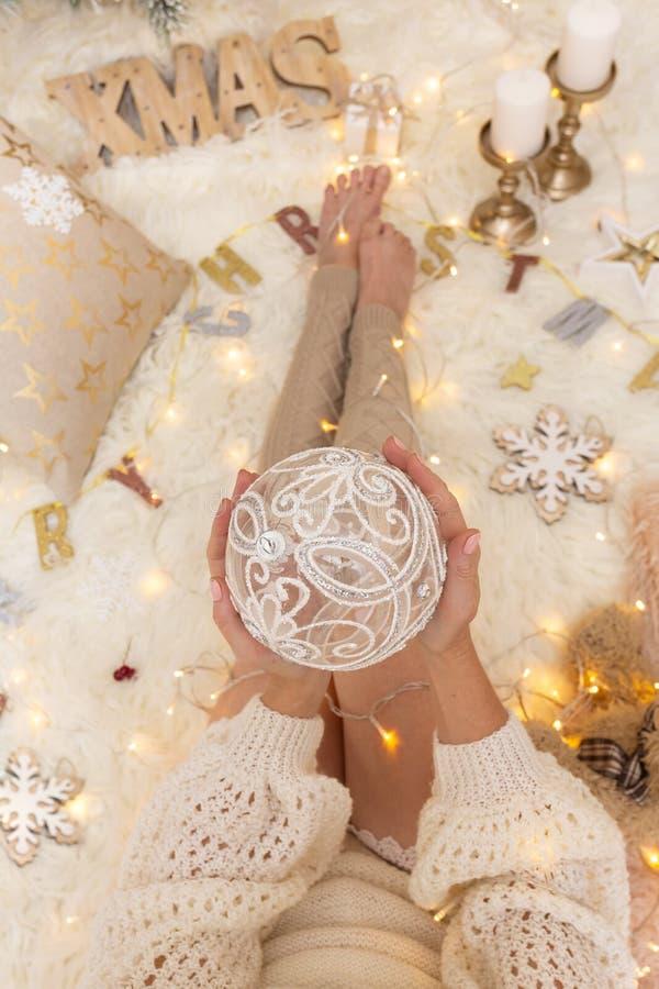 Décorations et ornements de Noël photos stock