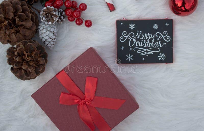 Décorations réglées pour des célébrations douces de Noël image stock