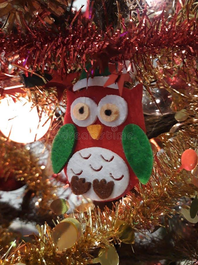 Décorations sur l'arbre de Noël photos stock
