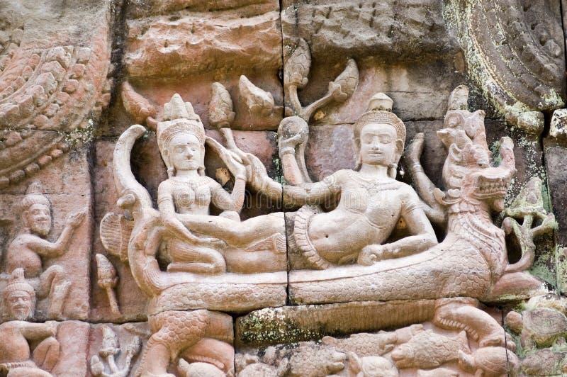 Découpage antique de Khmer de Vishnu et de Lakshmi images stock