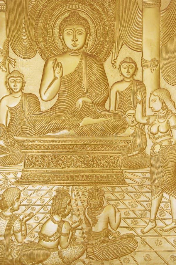 Découpage du bois bouddhiste au temple d'or, Sri Lanka photos libres de droits