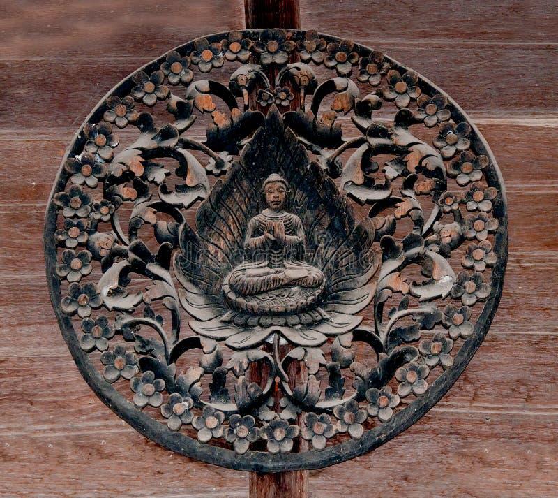 Découpage du bois du mode de Bouddha photos stock