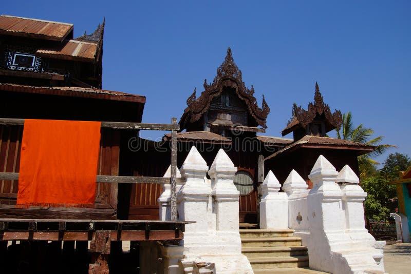 Découpage en bois complexe de Shwe Yan Pyay photo libre de droits