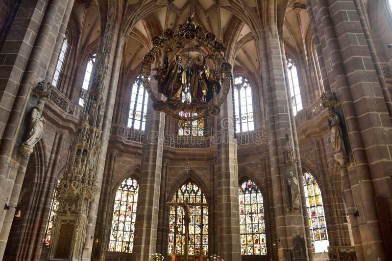 Découpage en bois d'annonce d'Engelsgruss de €™ de Veit Stossâ à l'église de Lorenzkirche à Nuremberg images libres de droits