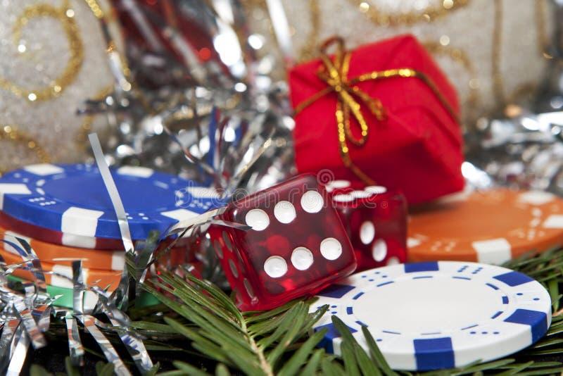 Découpe, cadeau et puces pour Noël images libres de droits