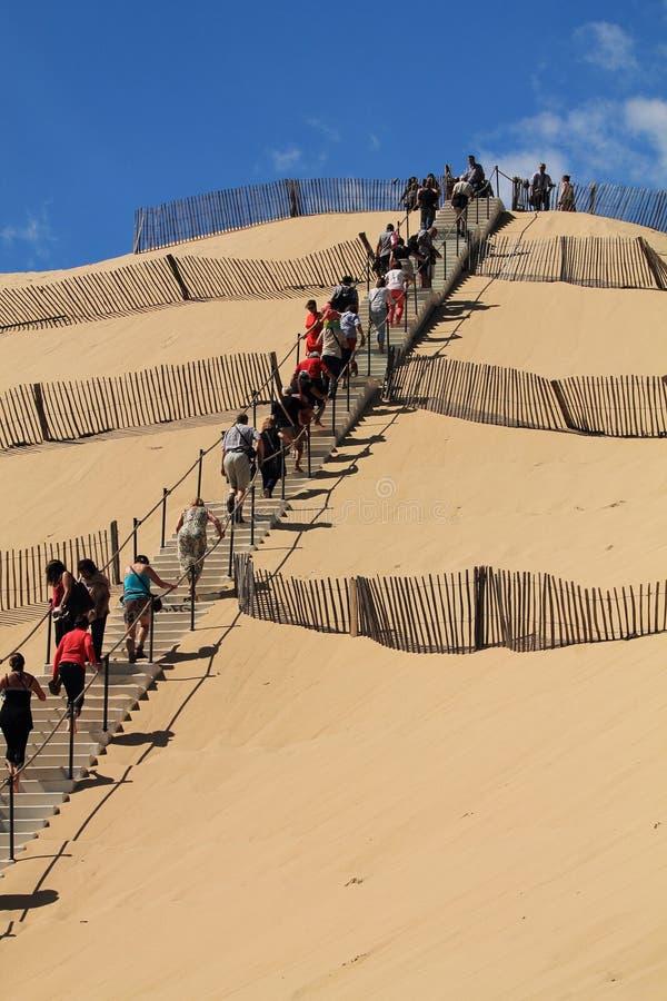 Découverte de la plus grande dune du pyla dunaire de pilat de l'Europe dans les Frances image stock