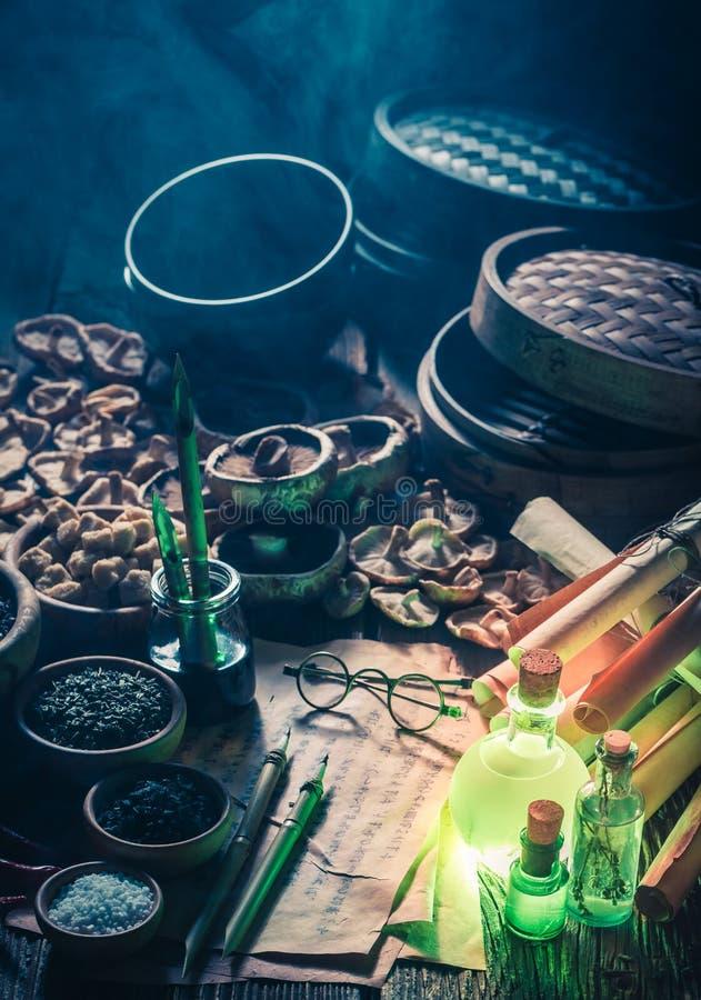 Découverte du nouveau goût dans le laboratoire magique image stock