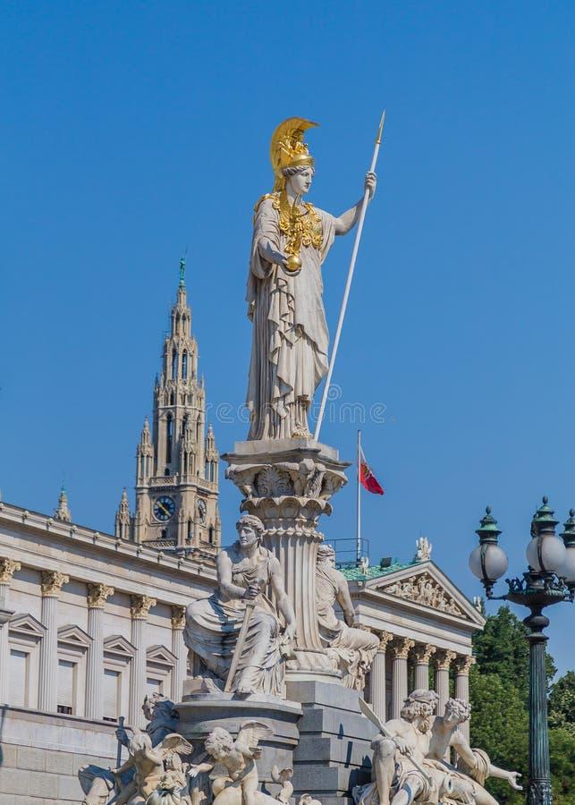 Déesse Athena Statue au Parlement autrichien image libre de droits